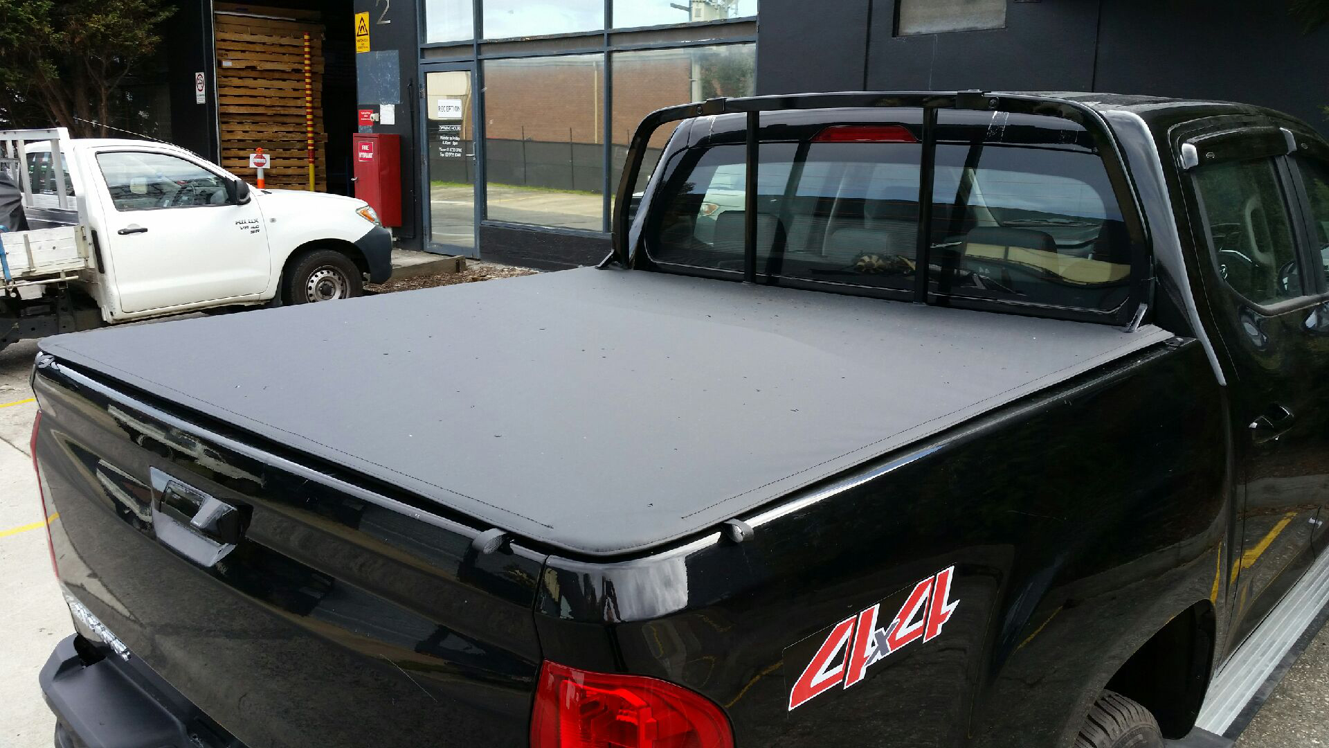 Ute Tonneau Cover Bunji And Clip On Tonneau Covers Fully Equipped